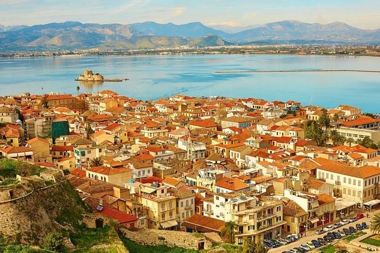 По данным исследования Rightmove за 2016–2017 годы, Пелопоннес — третий по популярности регион Греции среди покупателей зарубежной недвижимости
