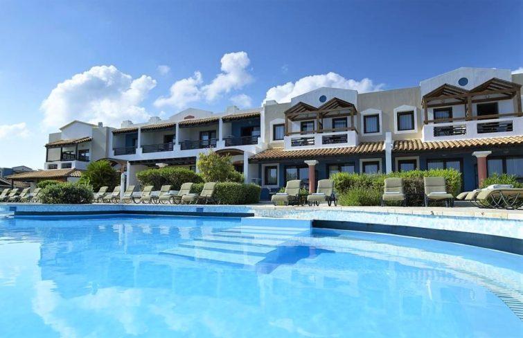 Отели Греции закрывают: очередная мера борьбы с коронавирусом