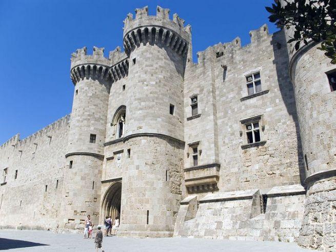 крепость на Родосе