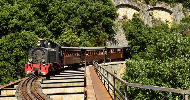 Дорога в миф: в Греции успешно работает уникальный экскурсионный поезд
