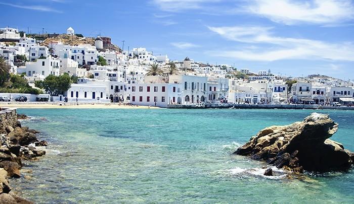 Греки выбирают Миконос