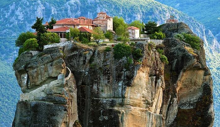 Экскурсия к монастырям Метеоры: восхождение к святым местам