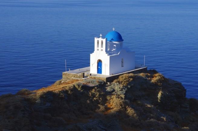 часовня на острове Сифнос в Греции