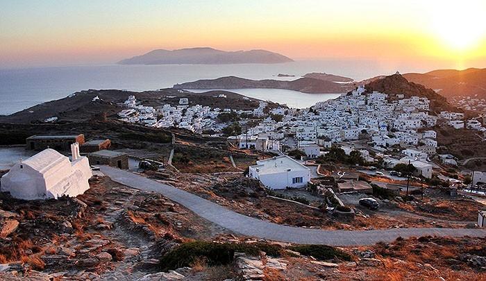 Семь греческих островов в TOP-10 2015 года