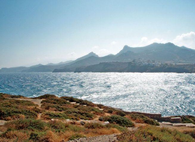 Наксос – самый большой греческий остров Кикладского архипелага