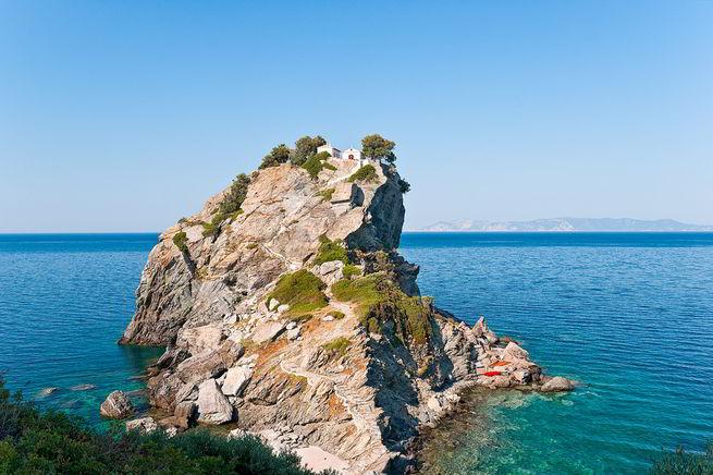 Остров Скопелос – место, где рождается напиток богов