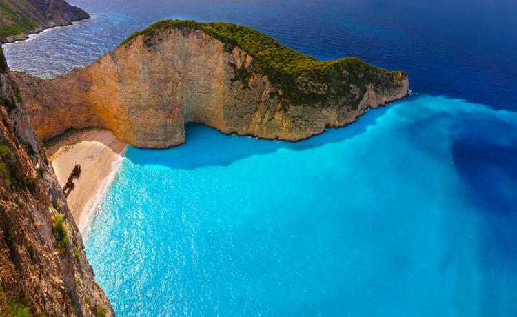 Если ехать в Грецию, то сейчас!