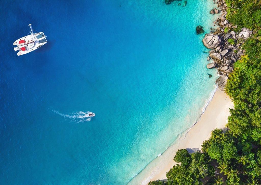 бухта с пляжем в Греции