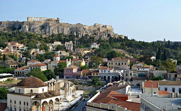 В Афинах устраивают бесплатные экскурсии