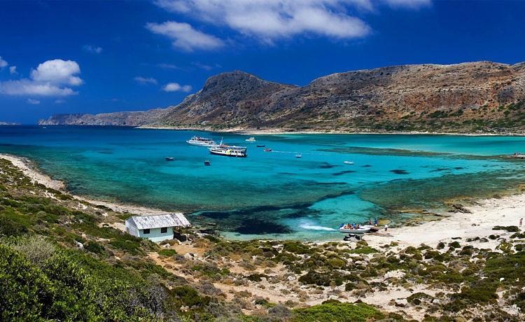 Туристы проявляют всё больше интереса к Афинам и греческим островам