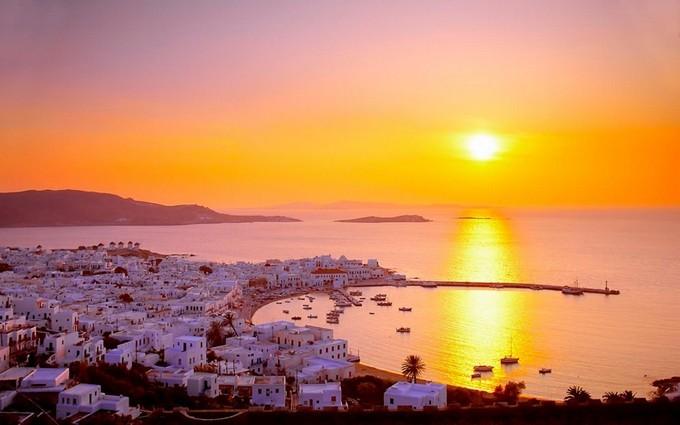 10 греческих мест с самыми романтичными закатами