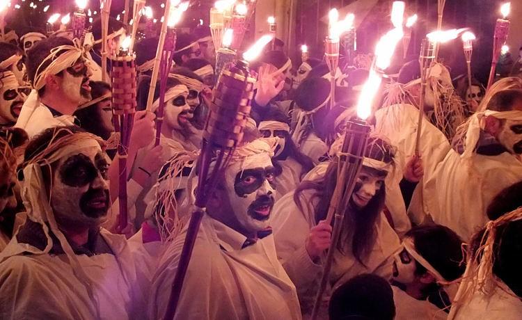 На острове Наксос начался Дионисийский карнавал