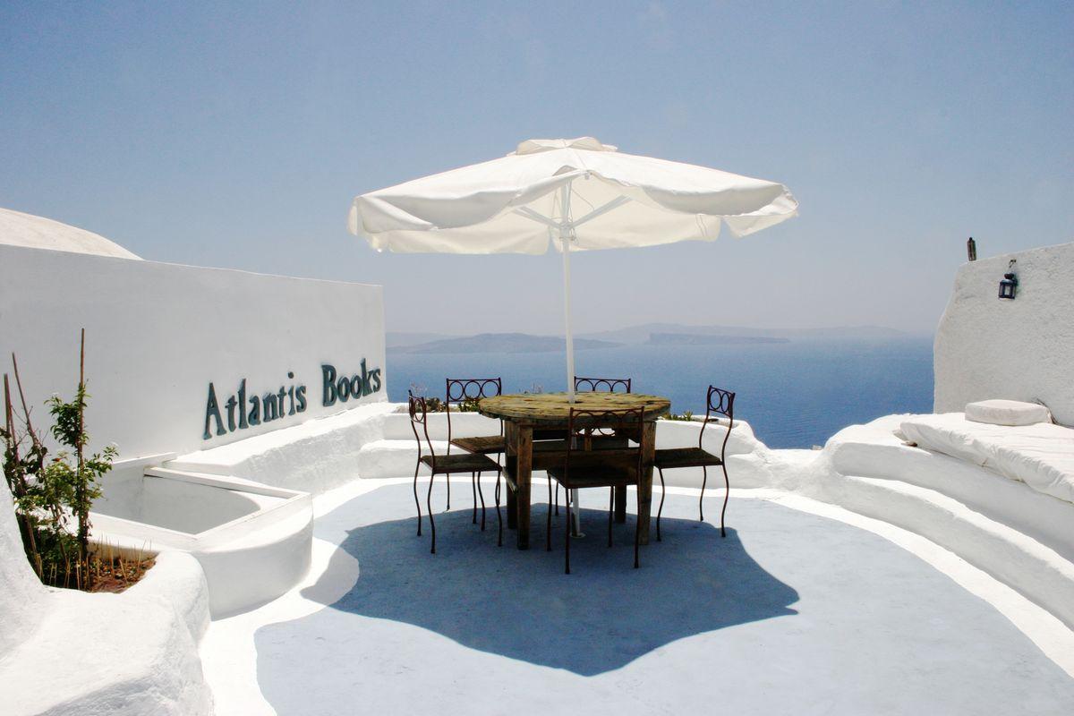 В Греции находится самый лучший в мире книжный магазин