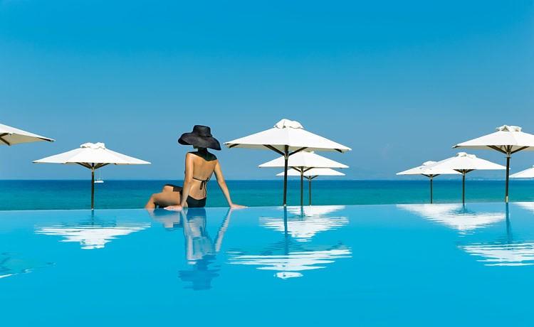 Бархатный сезон на курорте Sani Resort