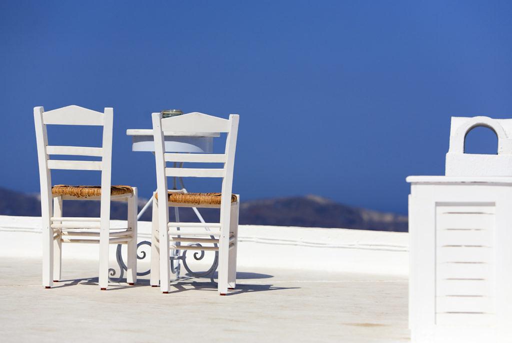 два стула на Санторни