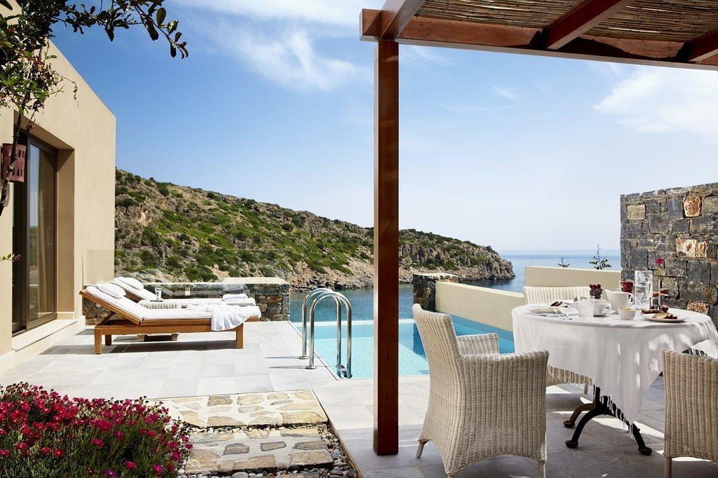 Готовимся к незабываемому лету вместе с Daios Cove Luxury Resort & Villas