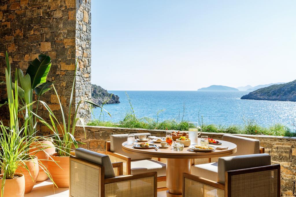 Бары и рестораны Daios Cove Luxury Resort & Villas