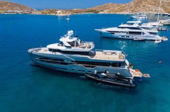 Яхты у берегов Греции