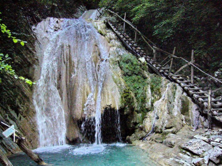 Водопады и природа Сочи