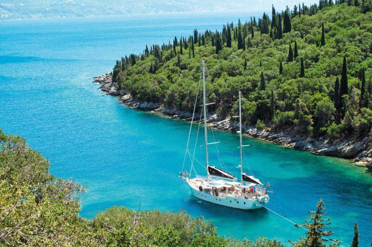Аренда яхт для семейного отдыха в Греции